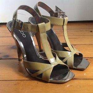 Aldo - Size 7 shiny tan leather heels